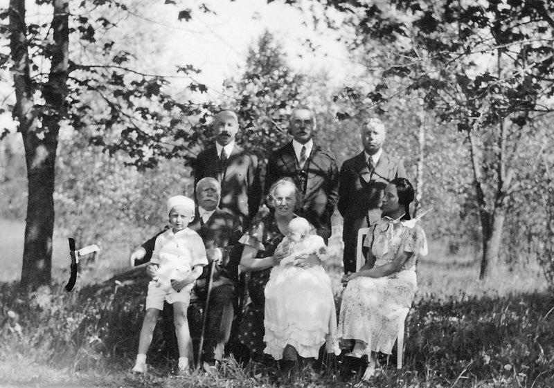 Suvine perepilt Valtus, 1930ndad